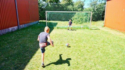 Fehmarn Bauernhof Fußball spielen